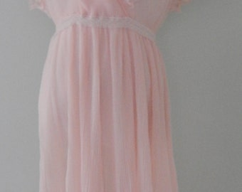 Vintage 1970's Pink Pleated Day Dress