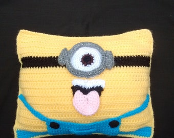 Knitted crochet Minion beanbag cushion pillow Despicable Me one eye eyed tongue goggles yellow Kevin Stuart Phil