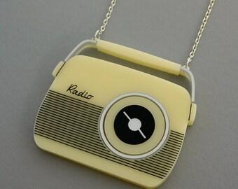 Vintage 50s Retro Radio Necklace - laser cut acrylic - Kitsch Novelty Pendant - Rockabilly Mid Century Style