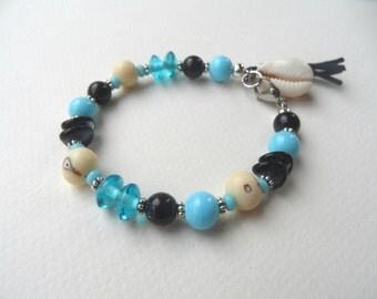 Ethnic bracelet, beach bracelet, blue bracelet, cowrie shell bracelet, fish bracelet, boho bracelet