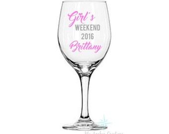 Girl's Weekend 2016 Wine Glass, Friends Wine Glass, Best Friends Wine Glass, Girls Trip Wine Glass, Personalized Wine Glass, Stemless