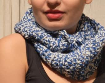 Infinite scarf - blue - white