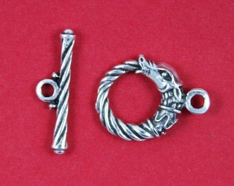 MADE IN EUROPE pewter horse toggle clasp, 20mm silver toggle clasp (X2779ABAS)Qty1