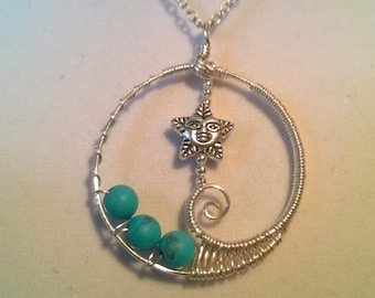 Star Swirled Round Pendant Necklace in Turquoise