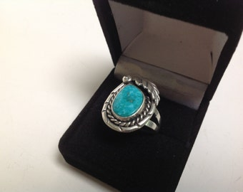 Vintage Native American Turquoise and Silver Ring