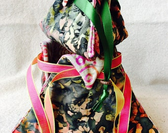 3-sided Quilted Triangle Trillium Treasure bag