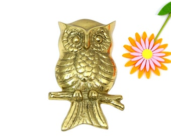 Brass owl - Vintage brass owl - Owl wall hanging - Brass figurine - Brass wall hanging - Vintage owl - Owl decor - Owl lover gift