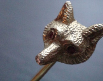 Edwardian, high quality, heavy fox brooch made from solid 9ct yellow gold