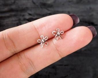 Flower Post Stud Earrings, 925 Sterling Silver, Cartilage earring, Bridesmaid Gift - MI.22/SU142