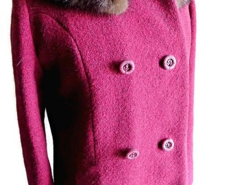 Vintage Women's Red Wool Coat with Fur Collar, Winter Coat, Vintage Coat, Fur Coat, Heavy Coat, One of a Kind Coat
