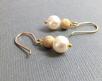 Drop Pearl Bridesmaid Earrings Gold White Pearl Earrings Wedding Jewelry Gold Pearl Drop Earrings Bridal Pearl Gold Dangle Earring