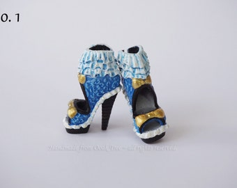 Monster High or Ever After High REPAINTED shoes - OOAK shoes & boots