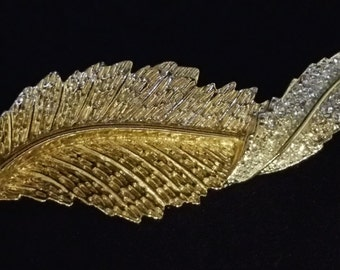Sarah Coventry Signed Brooch & Clip Earrings