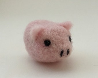 Needle felted pig, needle felted piggy, handmade pig, miniature pig, tiny pink pig, needle felt pink pig, OOAK, teacup pig, felted piggy