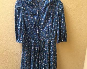 Vintage Shelton Stroller Day Dress With Belt