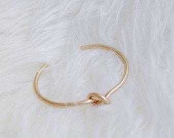 Love Knot Bracelet - Knot, Friendship Bracelet, Bridesmaid Gift - Gold, Silver