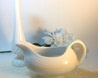 Fiestaware Vintage Fiesta White Gravy Boat Cottage Chic Neutral Colored Decorative Accent Fiesta Collection Collectible Retro Entertaining