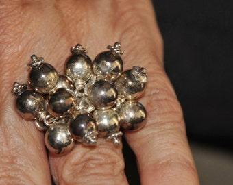 Ilaria  Designer Vintage and Stunning Kinetic Mid Century Studio Ring