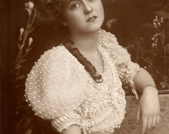 Antique Brithis Card, actress Gabrielle Ray. 1907