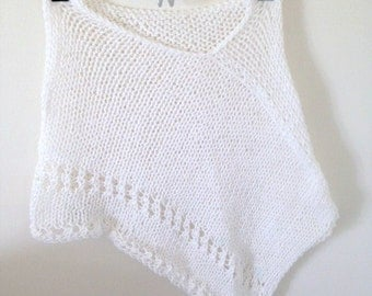 girls clothes. girls. 7-12 years old.chicas. tops. ponchos. White. handmade.