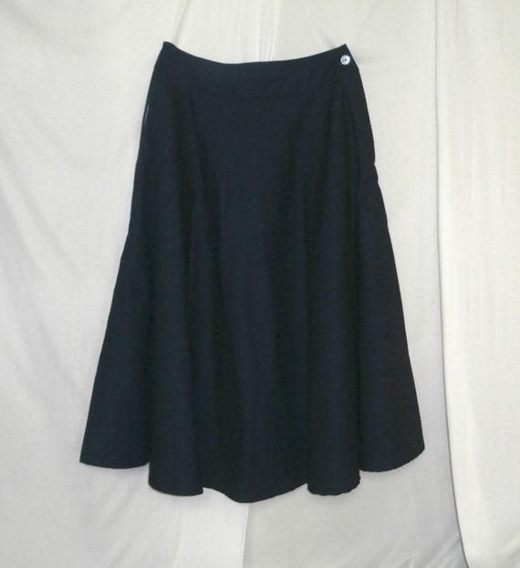modest size 7 blue denim skirt