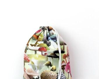 Mushroom beige gym bag - hannisch