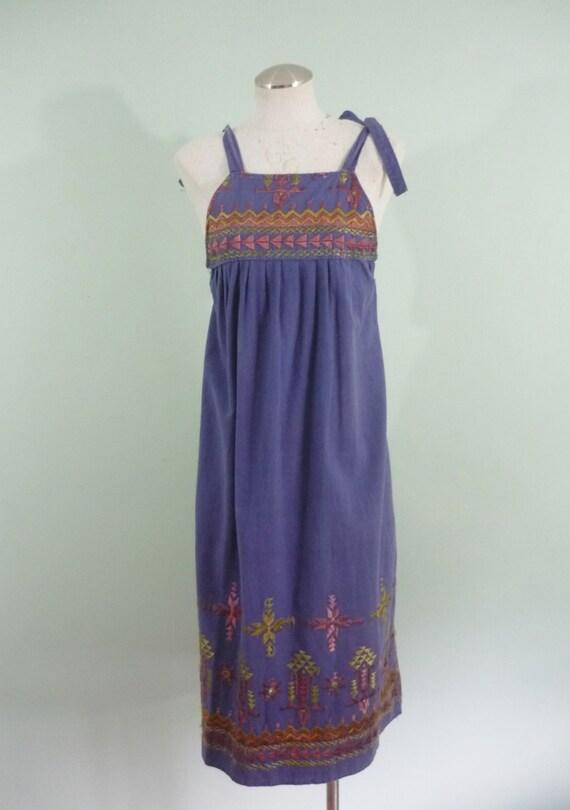 SALE! / 1970s Chambray Tie Up Dress / Denim Blue / Boho Summer Sundress / Modern Size XL to XXL / Plus Size