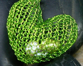 """wire crochet pendant - """"HEART"""" - with moving fresh water pearls"""