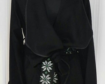 Wool Coat with cotton embroidery