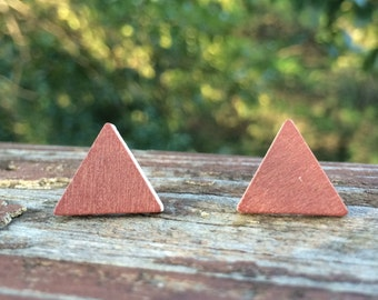 17mm Wood nickel-free earrings - reddish brown/copper colored triangle earrings
