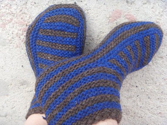Slipper Patterns Knitting : Knitting patterns Knit slipper pattern Knitted slippers Knit