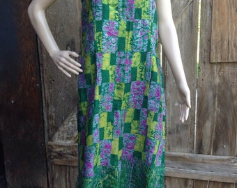 Vintage 90s Boho hippie festival batik summer maxi long sleeveless ethnic patchwork print homemade handmade green tank sun dress
