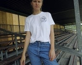White t-shirt with line drawing embroidery, hand embroidery, hand stitched shirt size M unisex