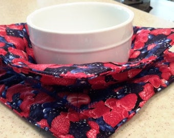 Microwave bowl potholder and matching trivet/potholder