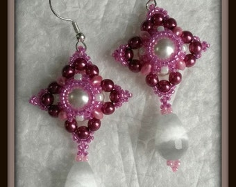 Romance earrings in colours white and pink