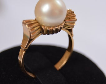 Ring with central Pearl monkey and all gold 18K Bun with central and all beautiful piece 40s 18K gold pearl ring