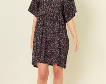 Wing Sleeved Ditsy Floral Dress in Navy