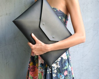 Black leather clutch / Large envelope clutch / Genuine Italian leather / Leather bag