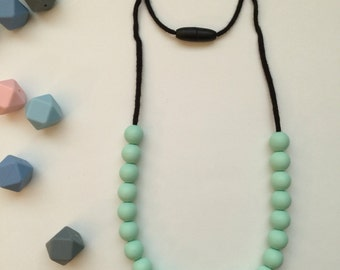 The Laura -- chewable teething/nursing necklace in sweet mint