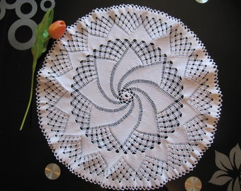 white crochet doily, lace, gift