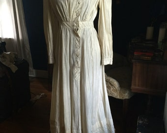 True vintage 1900's 1910's Edwardian cotton white with brown stripe printed house dress