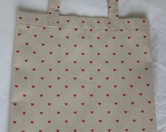 Tote bag (beige with red hearts)