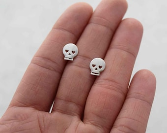 Sterling skull stud earrings, silver skull stud earrings, dainty earrings, halloween earrings, minimalist earrings, girlfriend gift, studs