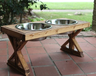 Large Farmhouse X-Style Raised Pet Feeder