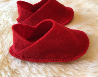 Red baby felt shoes 0-3m