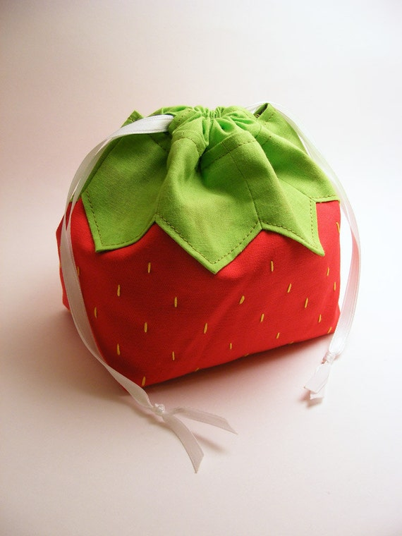 A Strawberry Named Pouchy - Drawstring pouch, omiyage, fruit