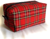 red tartan plaid box bag, unisex zipper cosmetic toiletries pouch, medium dopp kit, boxy travel case