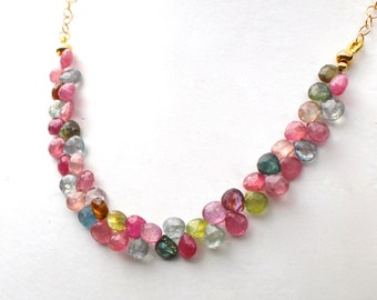 LUXE Umba Sapphire Bright Briolette Focal Necklace in 14kg fill....