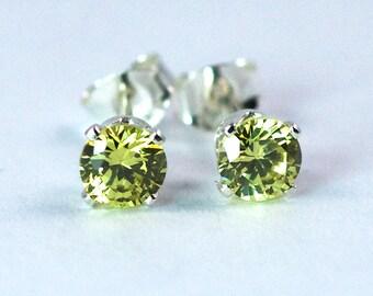 Peridot 4mm Stud Earrings / Sterling Silver Peridot Post Earrings / Peridot Stud Earrings