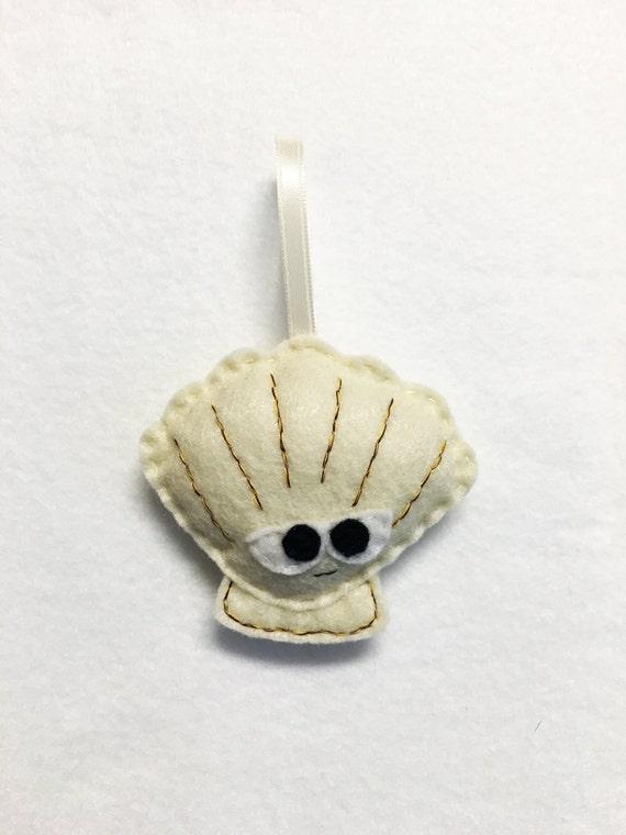 Seashell Ornament, Christmas Ornament, Sir Lee the Seashell - Made to Order, Felt Ornament, Sea Life, Beach Decoration, Ocean